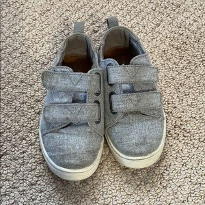 TOMS: Canvas sneakers
